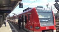 Un S-bahn, train urbain de Munich, est à quai près au départ pour l'Oktoberfest